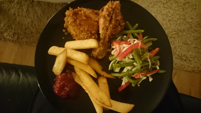 Homemade fresh and spicy coleslaw with fried chicken and steak-cut chips. HollyHeartsFood recipe